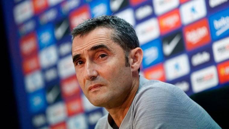 Ernesto Valverde, durante una rueda de prensa con el FC Barcelona