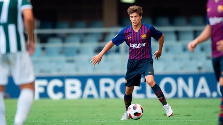 El técnico del Barça B advierte a un Riqui Puig que debe tener paciencia