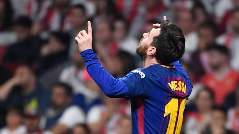 ¡Messi estrena la Champions con un golazo espectacular de falta!