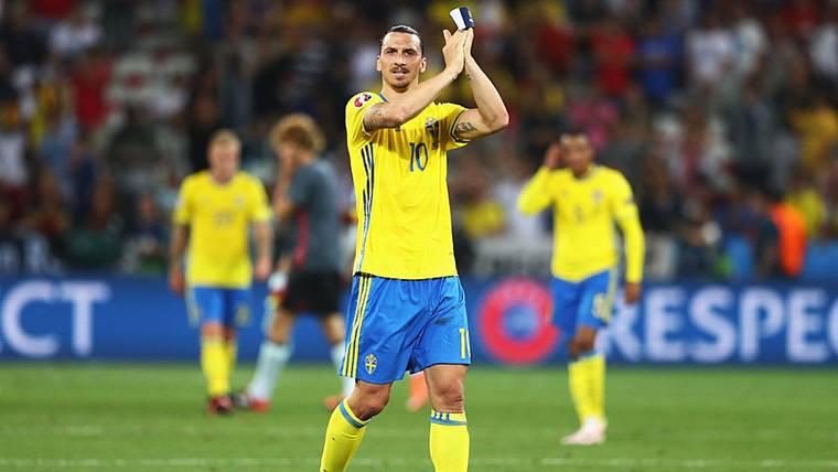 Ibrahimovic vuelve a la polémica con un mensaje arrogante