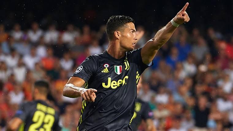 Cristiano Ronaldo se resarce de la expulsión en Champions