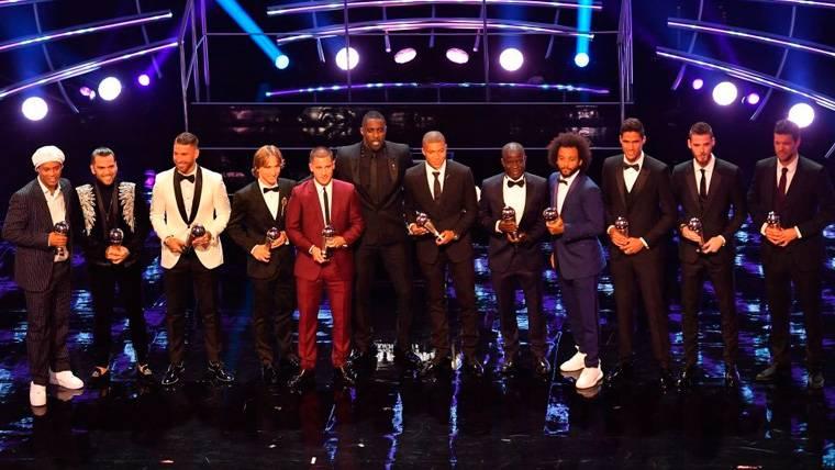 El once ideal de la FIFA provoca debate: Varias discusiones con los elegidos