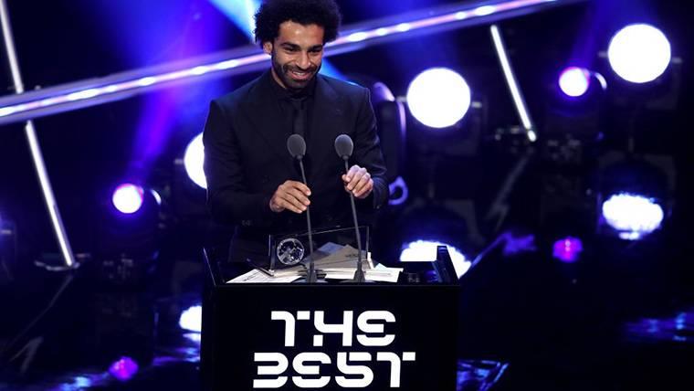 Milner bromea con el gol Puskas de Salah y ridiculiza a la FIFA