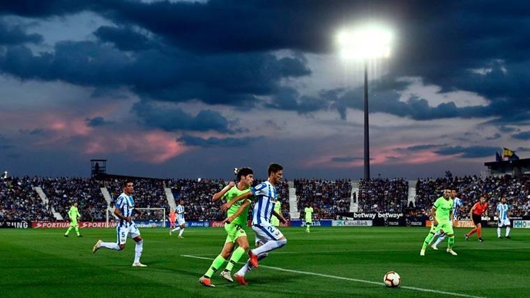 ¡La defensa del Barça regaló dos goles al Leganés en un minuto!