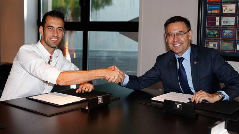 OFICIAL: El FC Barcelona renueva a Sergio Busquets hasta 2023
