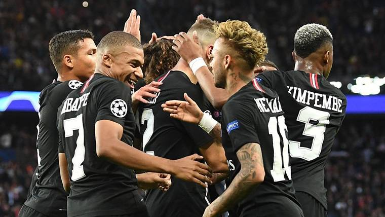 Neymar hace historia con su 'hat-trick' en la Champions League