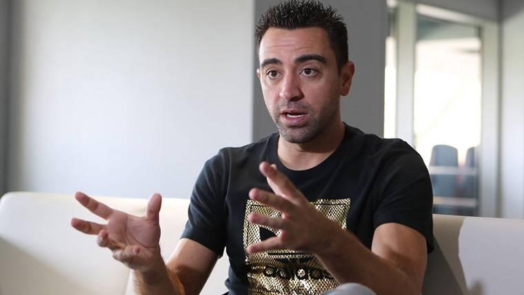 Xavi niega que vaya a entrenar al Barça en un futuro inmediato