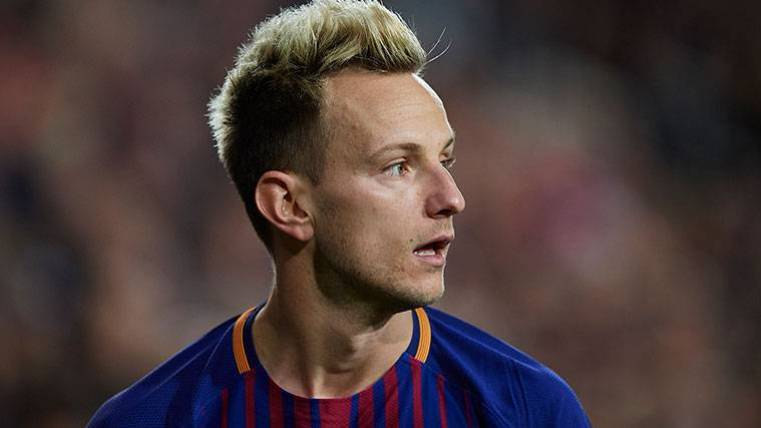 Ivan Rakitic recibe el premio al 'fair-play' de la temporada 17-18