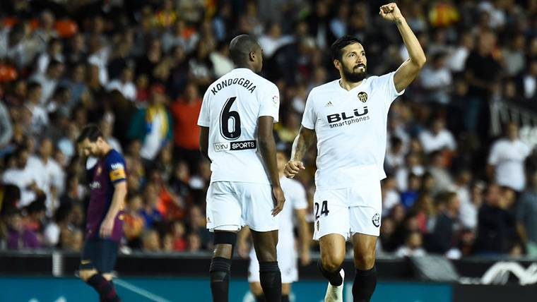 Lapsus defensivo del Barça para dar un gol de ventaja al Valencia