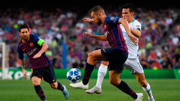 El Manchester United quiere aprovechar las dudas del Barça en la renovación de Jordi Alba