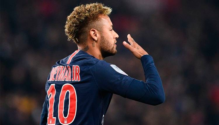 Neymar celebra un gol con el Paris Saint-Germain