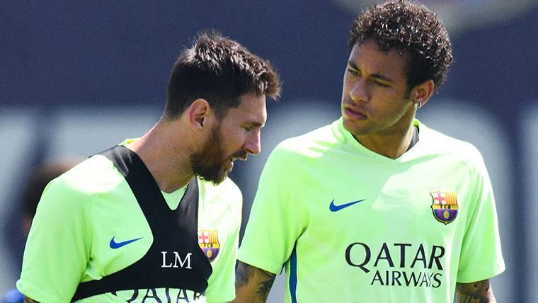 Leo Messi y Neymar en un entrenamiento con el FC Barcelona