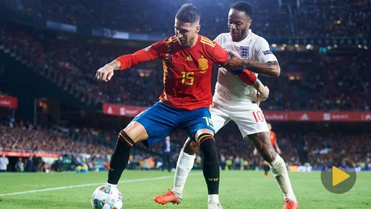 Ramos se defiende de quienes le acusan de agredir a Sterling