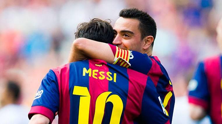 Xavi Hernández atiza a Maradona por sus palabras contra Messi