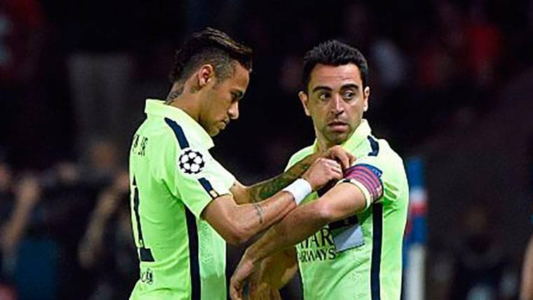 Xavi Hernández analiza a Arthur y le lanza una pulla a Neymar