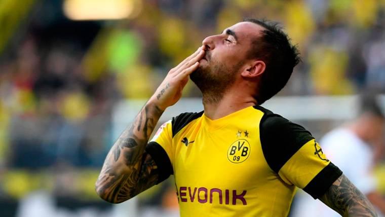¿Lanzó un 'dardo' el entrenador del Dortmund al Barça por la racha de Alcácer?