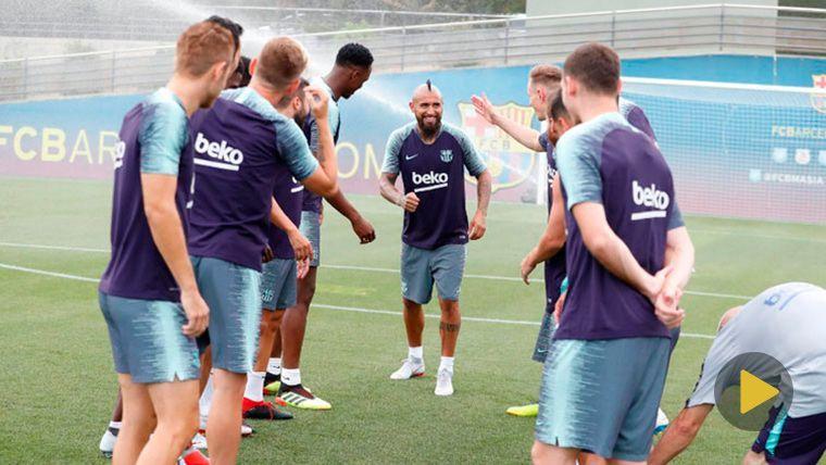 Arturo Vidal en su primer entrenamiento con el FC Barcelona | FCB