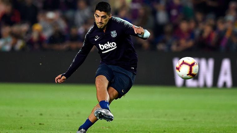 Luis Suárez, durante un calentamiento con el FC Barcelona