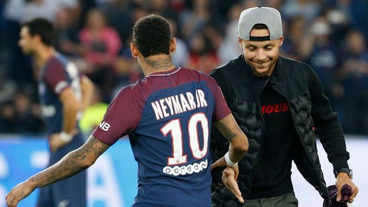 Neymar Jr y Stephen Curry, juntos tras un partido del Paris Saint-Germain
