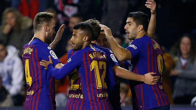 El FC Barcelona, celebrando uno de los goles contra el Rayo Vallecano