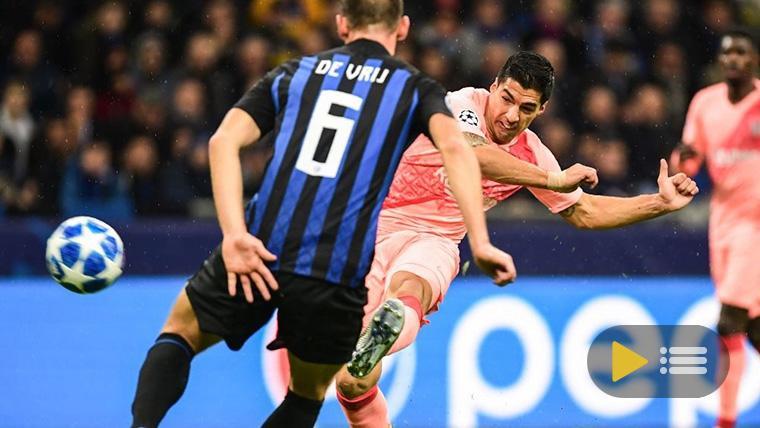 Luis Suárez, disparando contra la portería del Inter de Milán
