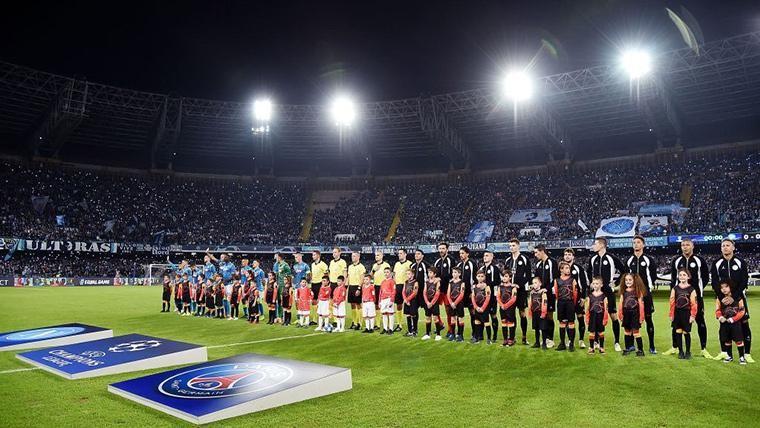 El Paris Saint-Germain, antes del partido en San Paolo ante el Napoli
