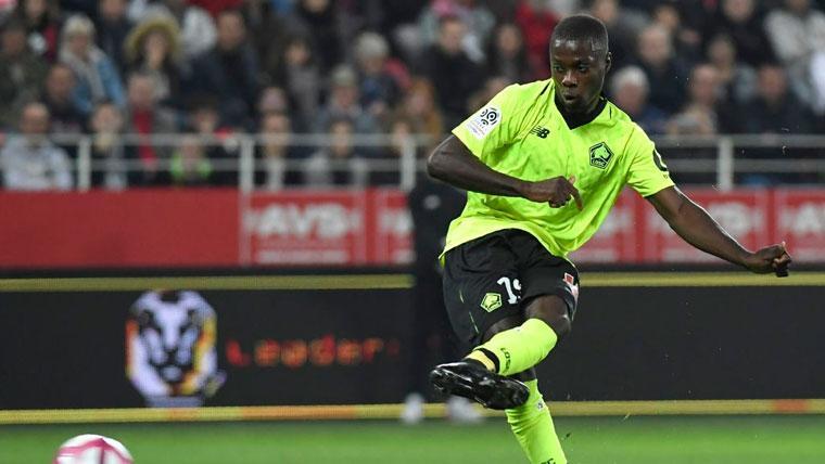 Nicolas Pépé en un partido del Lille en la Ligue 1