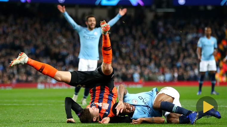La Champions queda en evidencia por no tener VAR: el penalti más ridículo a Sterling