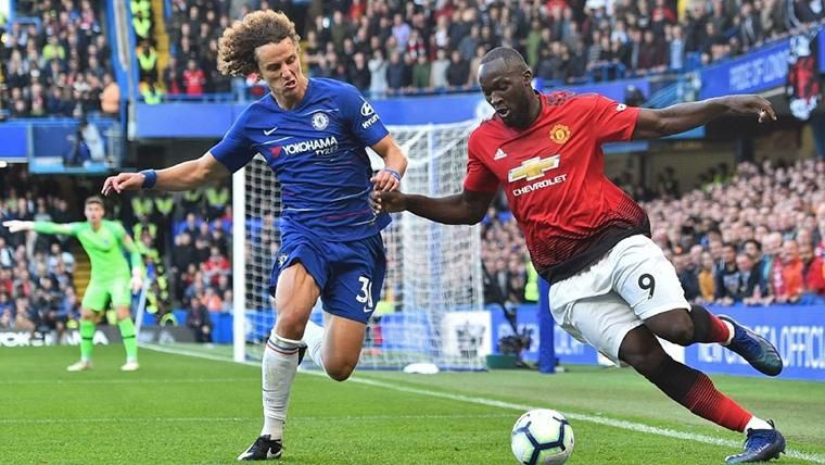 David Luiz, durante un compromiso contra el Manchester United