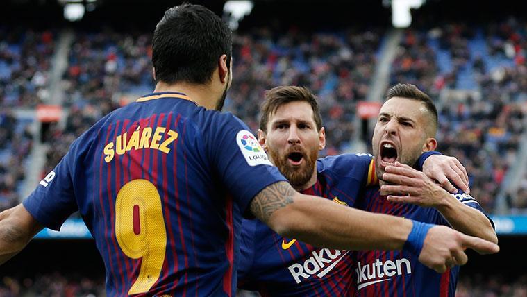 Luis Suárez, Leo Messi y Jordi Alba celebran un gol del FC Barcelona