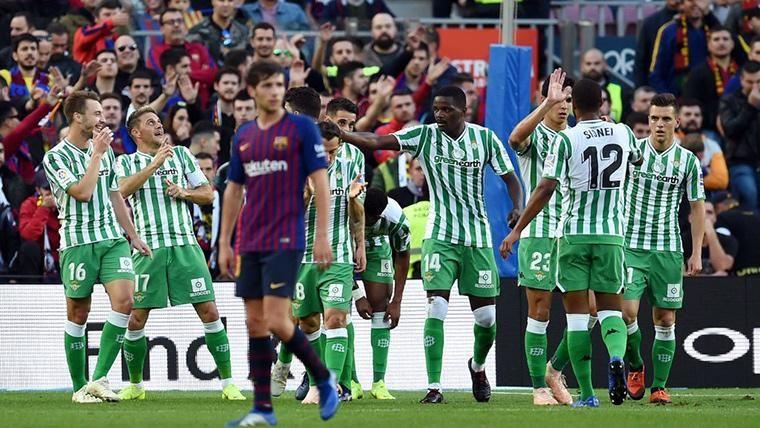 Desconexión del Barcelona atrás y Joaquín, que puso el 0-2