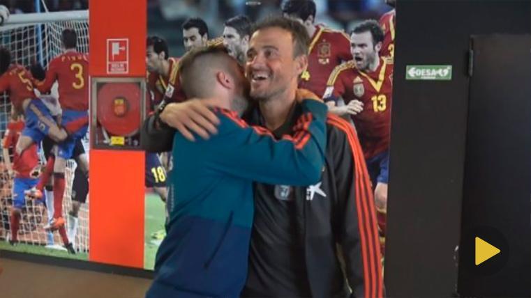 El reencuentro de Jordi Alba con Luis Enrique, con abrazo incluido