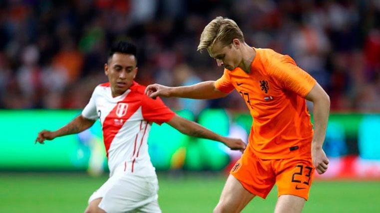 Ali Dursun no desmintió el traspaso de De Jong al City