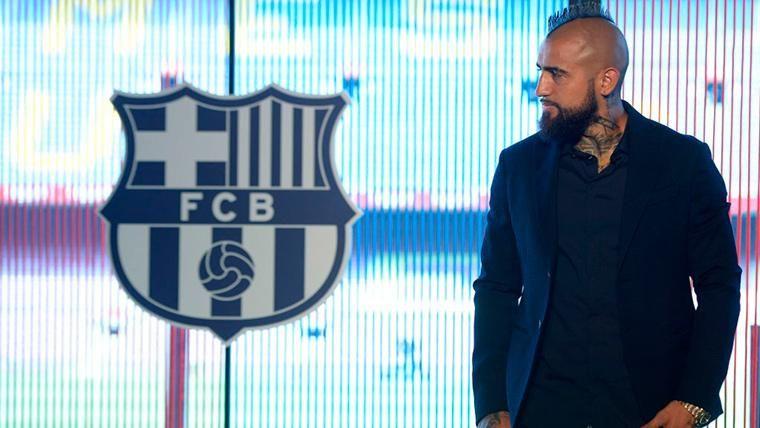 A Arturo Vidal le sale otra 'novia' para dejar el Barcelona en 2019