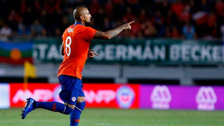 Arturo Vidal demuestra que quiere ser titular en el Barça: Doblete y descanso con Chile