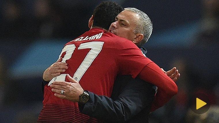 Mourinho enloqueció y reventó un portabotellines tras el gol de Fellaini en Champions
