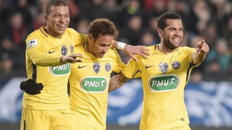 Dani Alves pone a Mbappé por debajo del nivel de Neymar