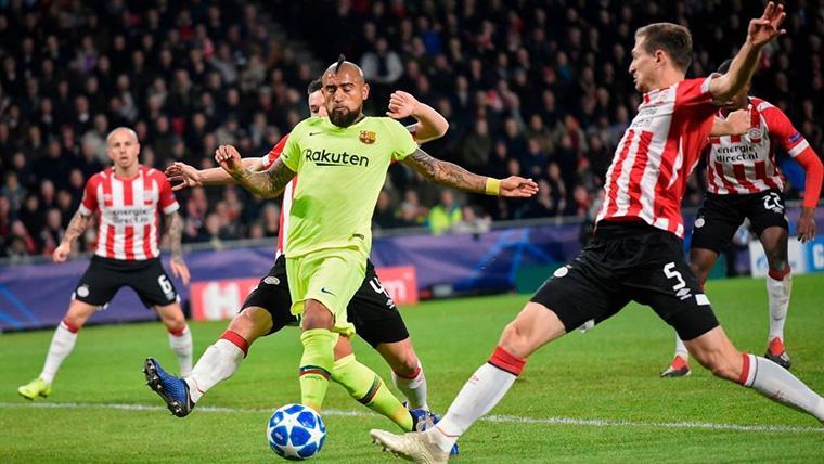 La doble ocasión de Arturo Vidal que generó pánico al PSV