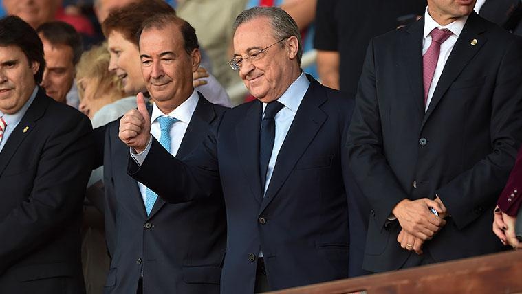 Florentino Pérez en un partido del Real Madrid