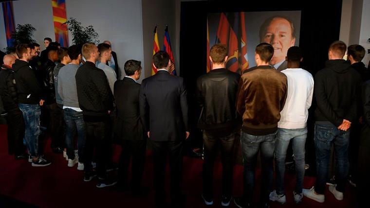 La plantilla del FC Barcelona asistió al funeral de Josep Lluís Núñez