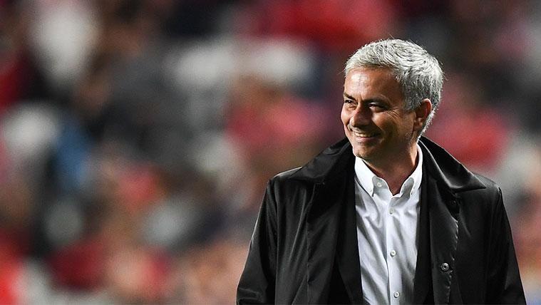 José Mourinho en un partido con el Manchester United