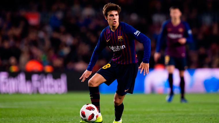 Riqui Puig debutó en un partido oficial del Barça haciendo magia en el Camp Nou