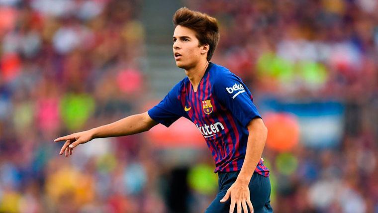 Riqui Puig, emocionado tras el debut oficial en el Camp Nou