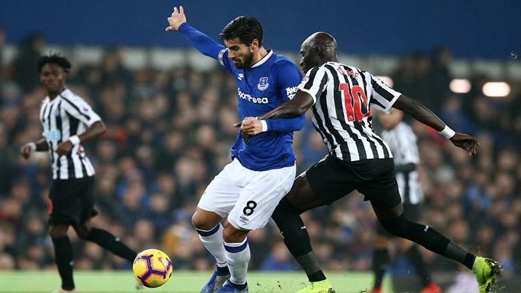 El Everton se pronuncia sobre André Gomes y puede darse otro 'Caso Alcácer'