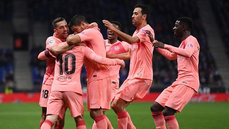 El FC Barcelona, celebrando el tercer gol contra el RCD Espanyol