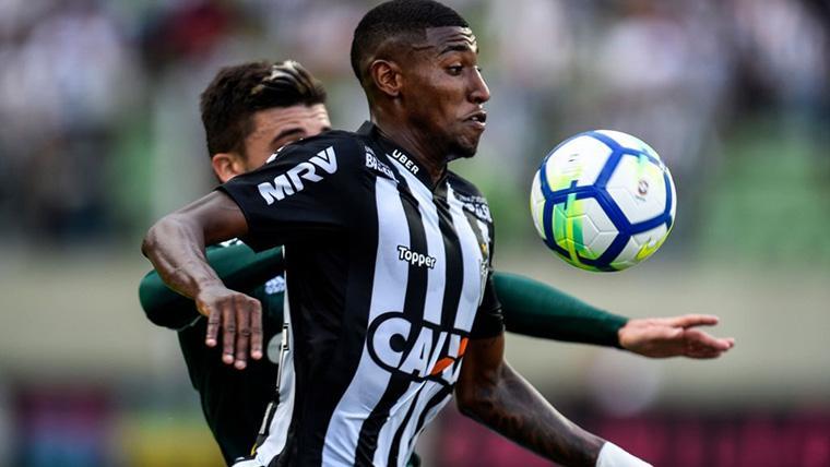 Betis y Barça barajan el fichaje compartido de Emerson