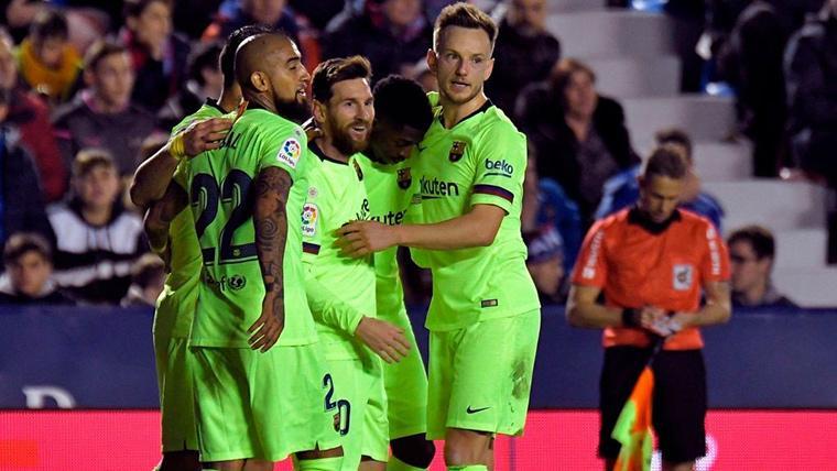 Entre Luis Suárez y Jordi Alba asistieron a Leo Messi: Segundo gol en el Levante-Barça