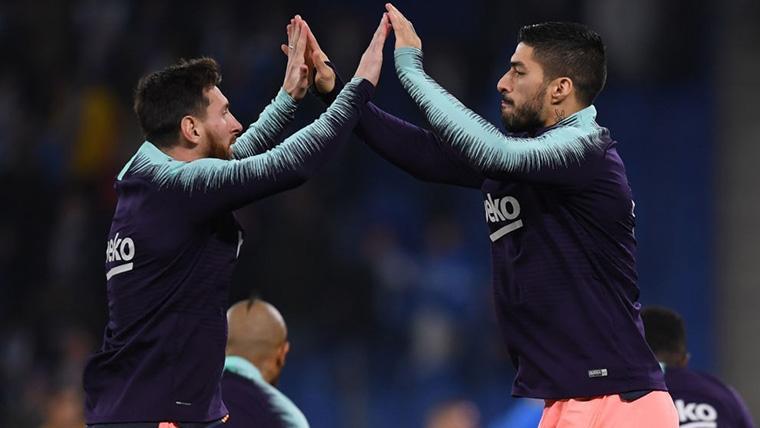 Leo Messi y Luis Suárez, durante un calentamiento con el FC Barcelona
