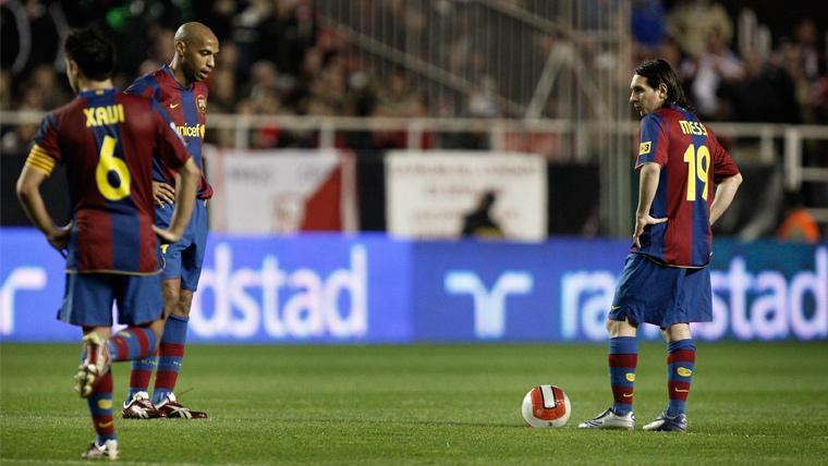 Xavi, Henry y Messi explican como el Barça creó el 'falso nueve' antes del Clásico del 2-6