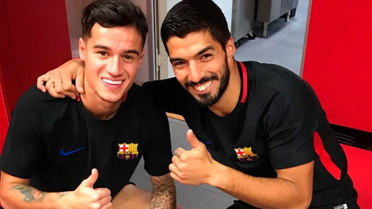 Philippe Coutinho y Luis Suárez en el vestuario del FC Barcelona